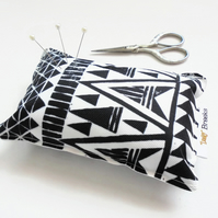 Arrow heads Pin cushion, seamstress gift, tailors gift, crafters gift, desk tidy