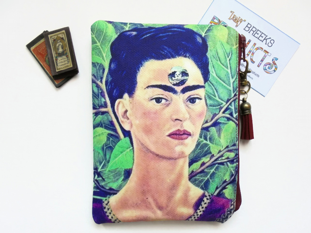 Frida Khalo, mexican, self portrait, sewing pouch, zipper wallet, cometic bag.