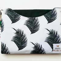 Custom iPad 10.5 pro,9.7 inch sleeve,botanical tablet cover,jungalow,palm print.