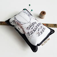 retro pin cushion,Canvas Pin cushion,seamstress, tailor, crafter, desk tidy,pins