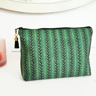 Canvas Wash bag,green and pink, primitive fabric,cosmetic bag, zip bag, make up