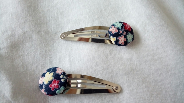 Blue Floral Design Fabric Covered Button Hair Clips