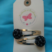 Black  Floral Design Fabric Covered Button Hair Clips