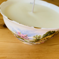 Lavender Fields Sugar Bowl Candle