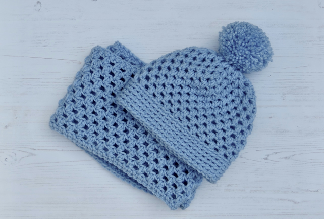 Rocky Ridge Bobble Hat and Infinity Scarf Set