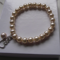 Shell pearl stretchy bracelet