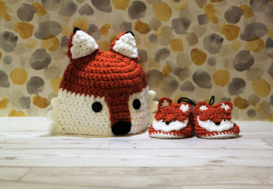 0-3 months fox hat and booties set
