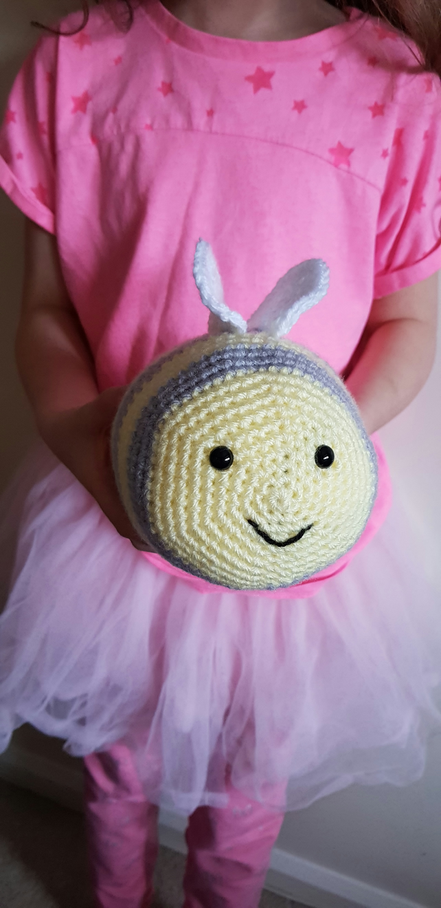Bee crochet soft toy