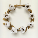 Festive Wreath for indoor Christmas Decoration with Gold Leaves and White Flower