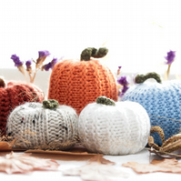 5 Knitted Pumpkins