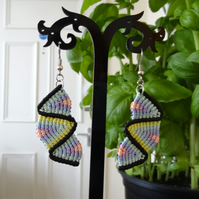 Earrings - balanced zig zag in pastel colours with black (E002)