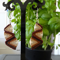 Macrame Earrings - bottom up zig zag in various shades of brown (E006)