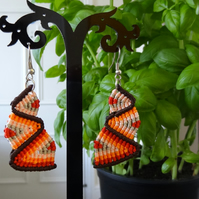 Earrings - bottom up zig zag in oranges with brown (E004)