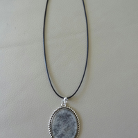 Necklace - Through the Shadows - Black and Pearl  (N014)
