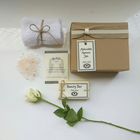 'Friendship' Personalised Bath Gift Set with Quotes