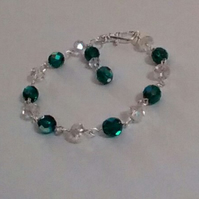 Stunning Green Czech Fire-polished and Clear Crystal Bracelet. Chain-linked