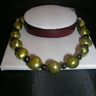 Silver plated Green and Black Pearl Bracelet
