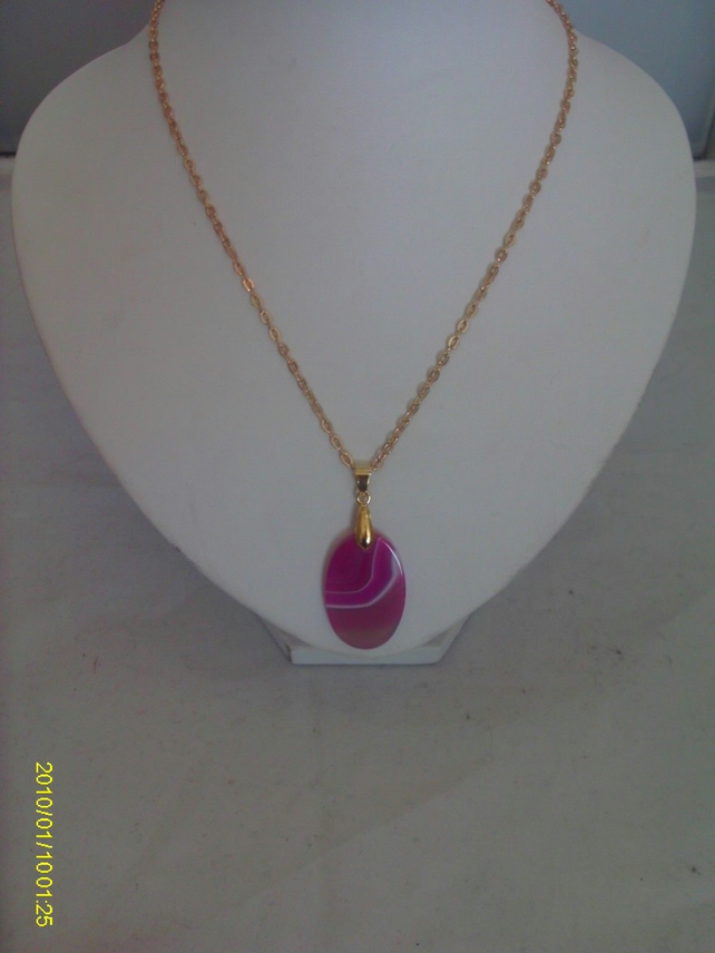 Gold plated Pink Agate Pendant Necklace