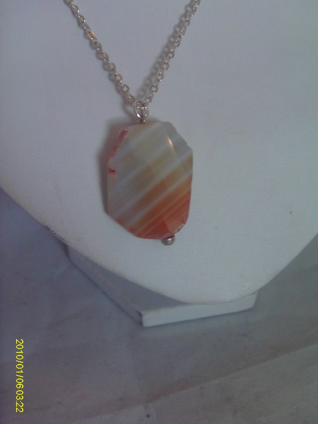 Silver plated Faceted Agate Pendant Necklace