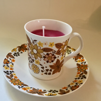 Retro teacup candle