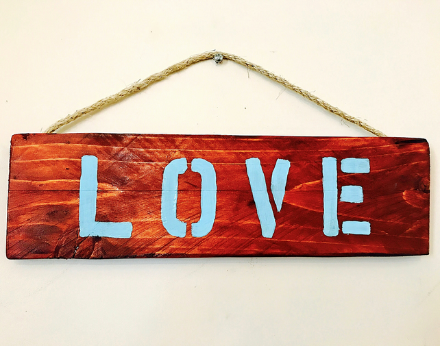 Pallet Wooden LOVE sign