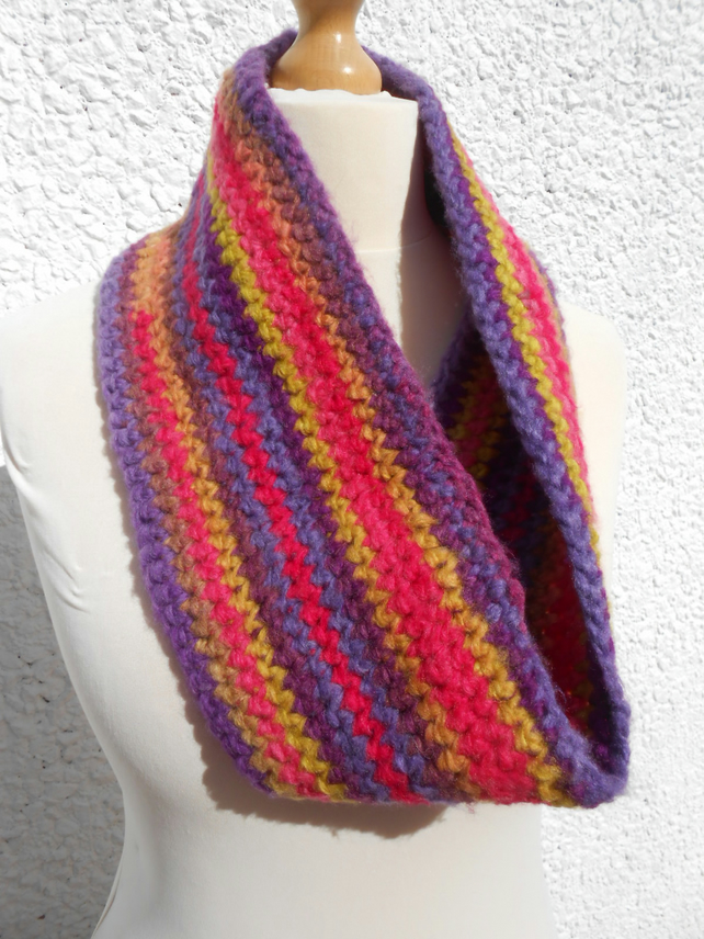 MULTI COLOURED COWL