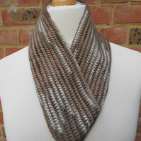 Brown and beige cowl