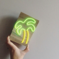 Mini palm tree neon light