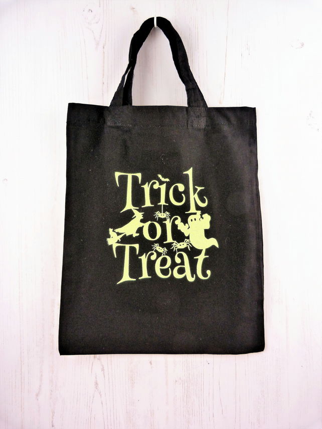 Halloween trick or treat tote bag