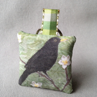Blackbird Keyring (pale green)