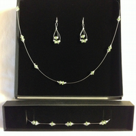Green and silver necklace set