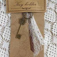 Romantic key holder with lace ribbon
