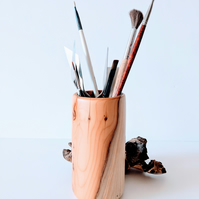 Brush, Pen, or Pencil Pot made from English Yew 838