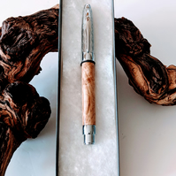 312 Rollerball Pen made from an Oak Burr