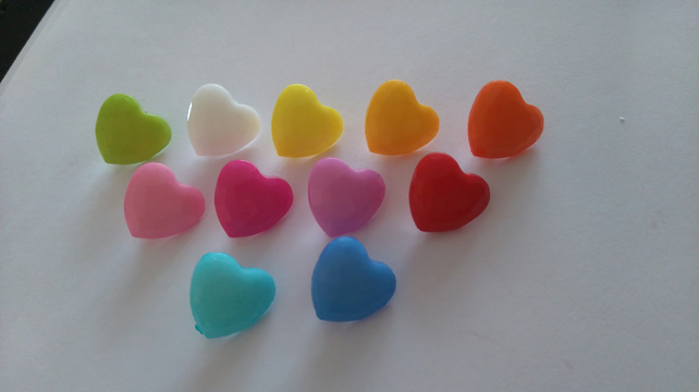 6 faceted heart shaped buttons knitting sewing crafting