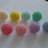 6 chrysanthemum shaped buttons