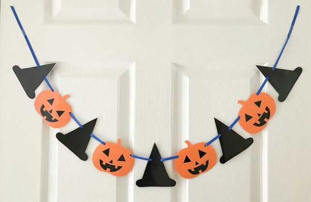 Halloween paper bunting, Pumpkins and witches