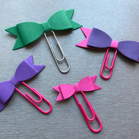 bookmarks, paper clips, bows (pack of 4)