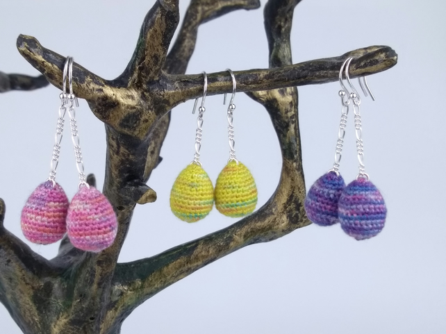 Easter egg dangles