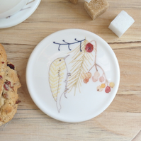 Bone china treecreeper and berries coaster
