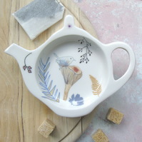 Teabag Tidy, wren on toadstool design
