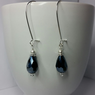 Navy Blue Crystal Teardrop Beads with Silver-Plated Stardust Beads Earrings