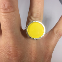 Circle enamel ring