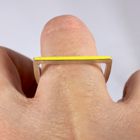 Horseshoe ring yellow