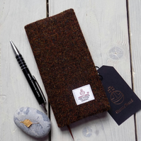 Harris Tweed covered 2018 slim diary in dark peat brown. Week to view