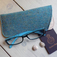 Harris Tweed eyeglasses case in turquoise and beige herringbone weave