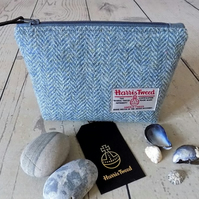 Harris Tweed make-up bag. Medium size in Atlantic blue herringbone weave