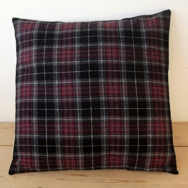 Cushion cover. Tartan plaid in burgundy, black and grey