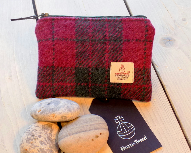 Harris Tweed large coin purse. Tartan weave in cranberry red and forest green