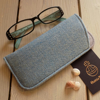 Harris Tweed eyeglasses case in light blue herringbone